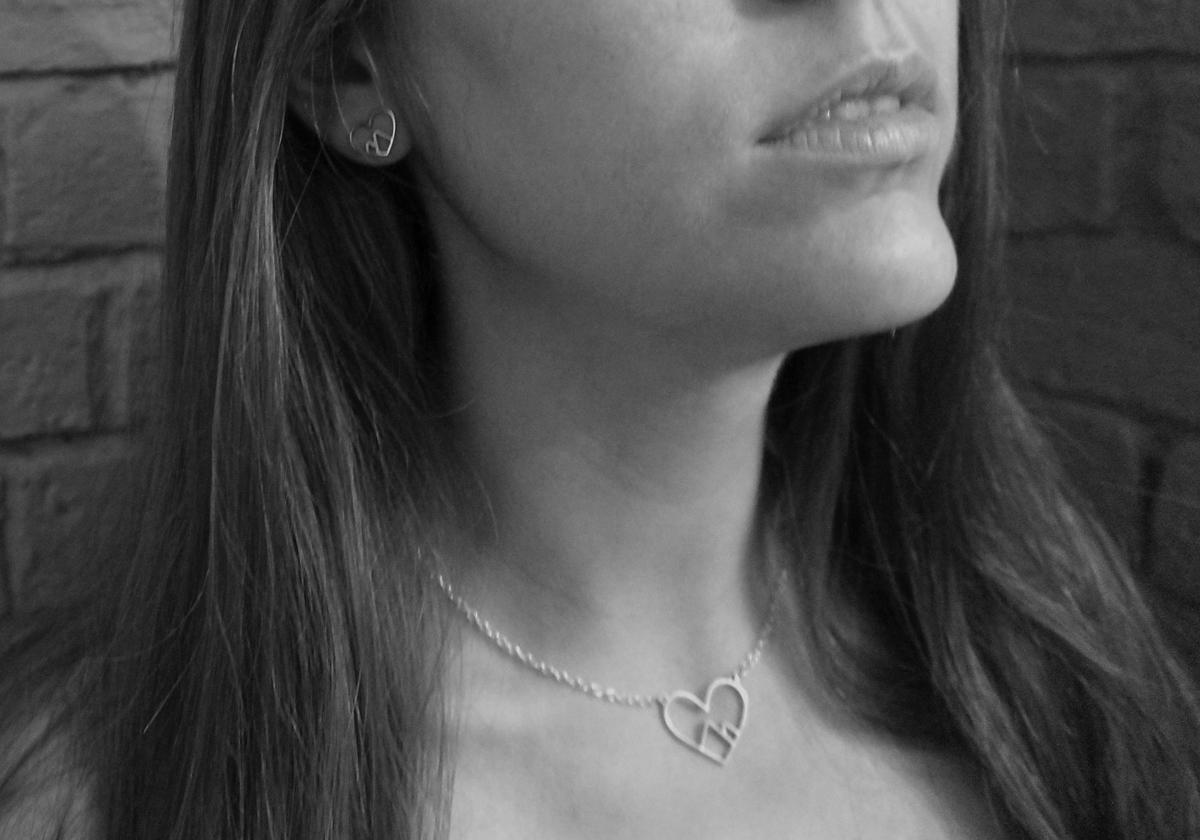 heart-earrings-2