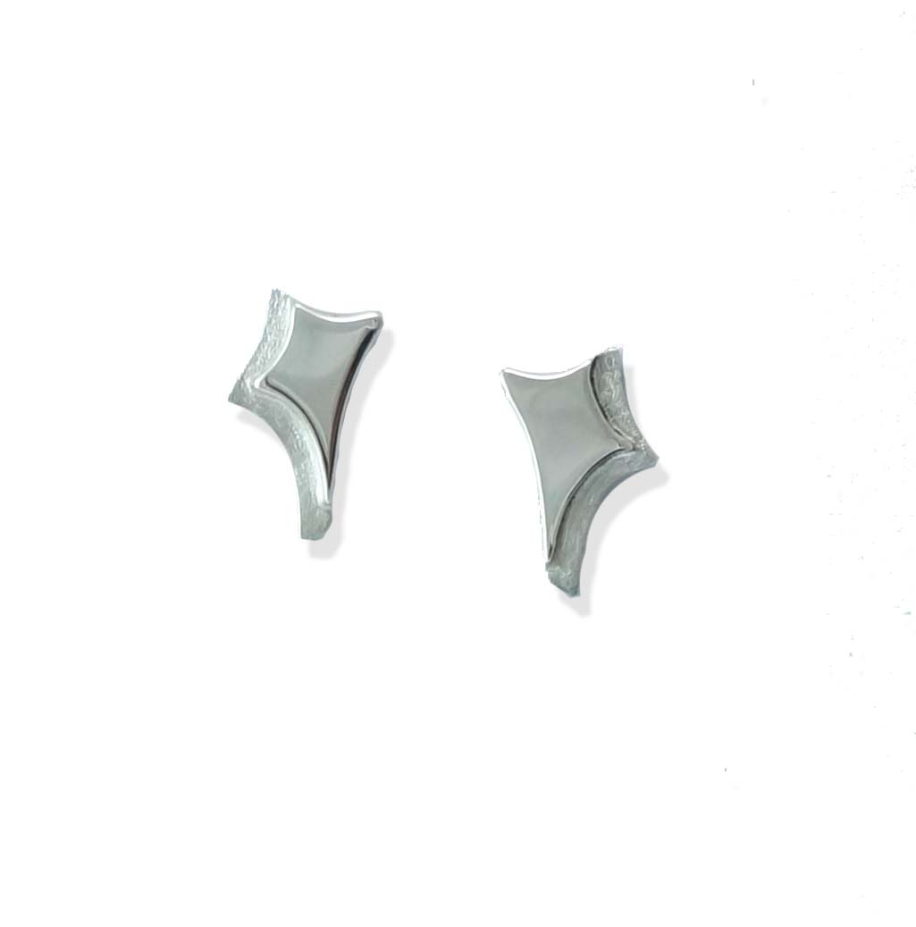 canyons pointed statement stud earrings